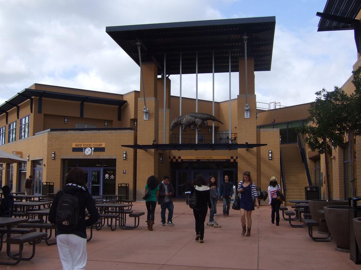 米国・カリフォルニア大学アーバイン校と学生交流に関する学術交流協定を締結